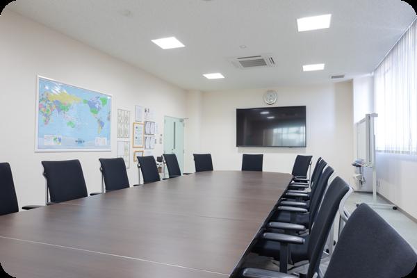 国内海外とのWEBミーティングが出来る会議室